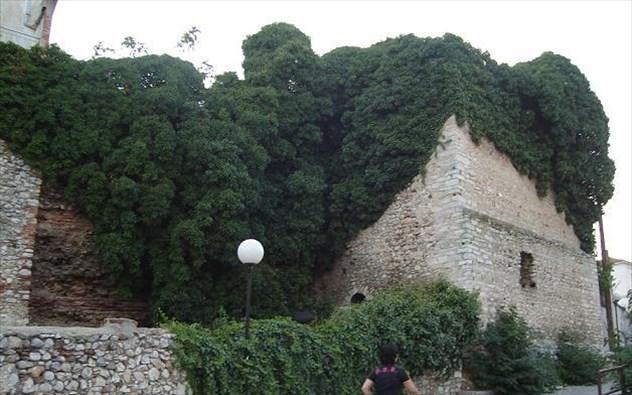 Μπουζαντίνα (Τείχη)