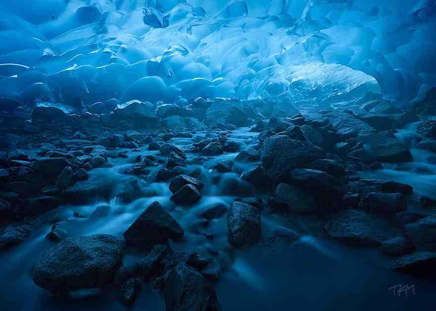 Mendenhall Glacier Cave, USA