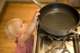 Παιδί ατύχημα σε κουζίνα 2